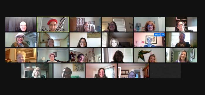 Zoom call in virtual Paris- Woyago Teambuilding - Axea company, beautiful ladies are smiling