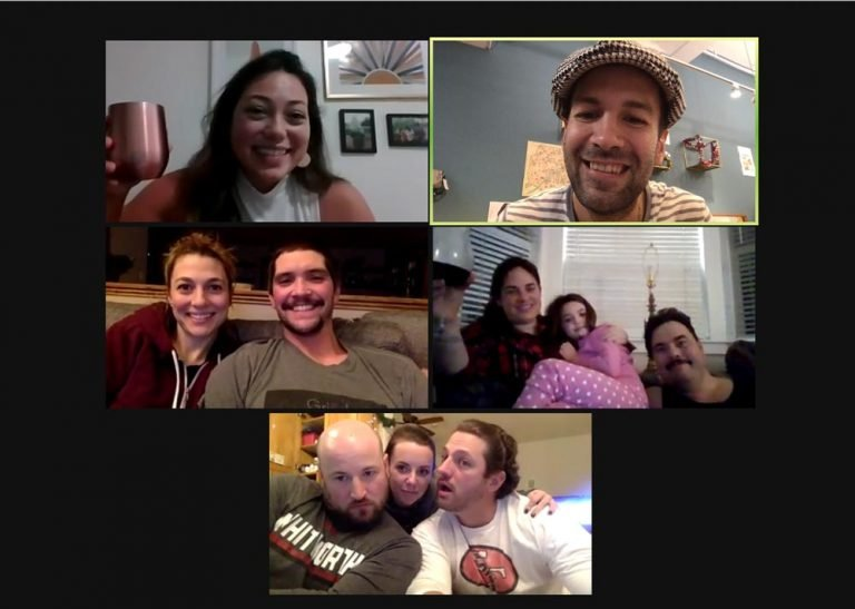 Zoom call in virtual Paris- Woyago Teambuilding -happy family from Hawaii