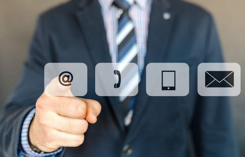 Icons of virtual team effectiveness apps like instant messenger, email, or virtual conferencing